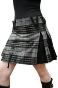 traditional Scottish dress female